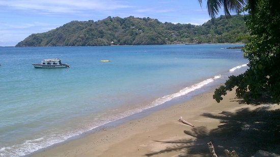 Speyside, Tobago: beach view