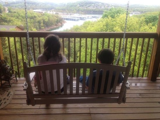 ‪‪Village At Indian Point‬: Kids enjoying the view.‬