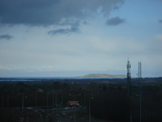Radisson Blu Hotel, Dublin Airport : View of the coast 