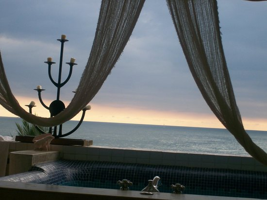Villa Premiere Hotel & Spa: view from jacuzzi on balcony