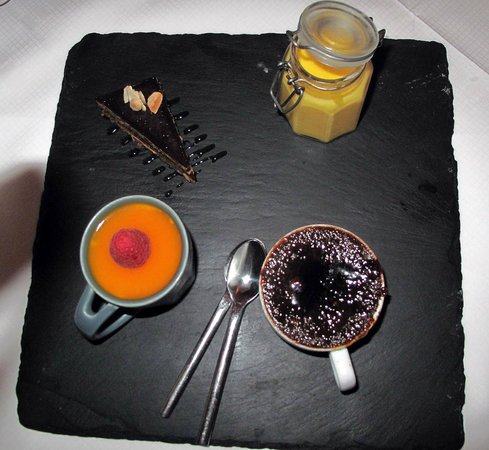 Carlow, Ireland: dessert sharing plates
