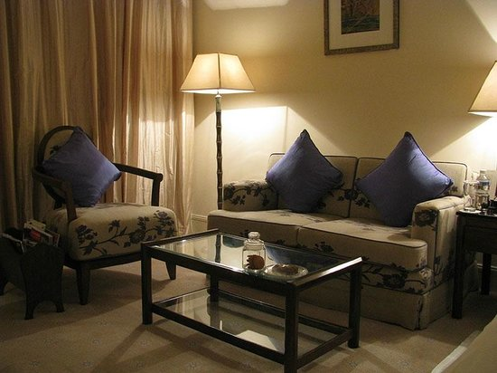 ITC Kakatiya: room sofa