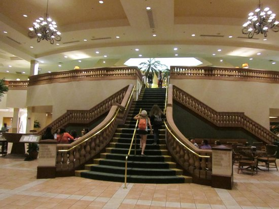 Caribe Royale All Suite Hotel &amp; Convention Center : Lobby staircase 
