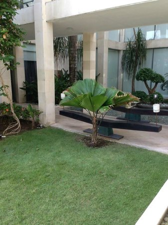 O-CE-N Bali by Outrigger: Hotel grounds