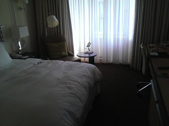 The Westin Grand Berlin: Decent room