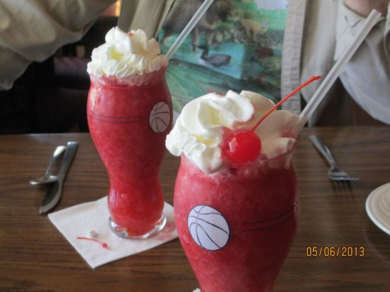 Rumney, NH: Frozen Strawberry Drinks
