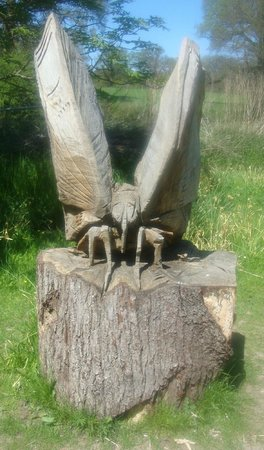 Hampshire, UK: Wooden sculpture