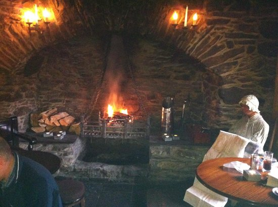 Killin, UK: Fire at Falls of Dochart Inn
