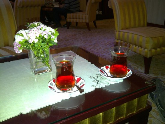 Sirkeci Konak Hotel: Our welcome Turkish tea