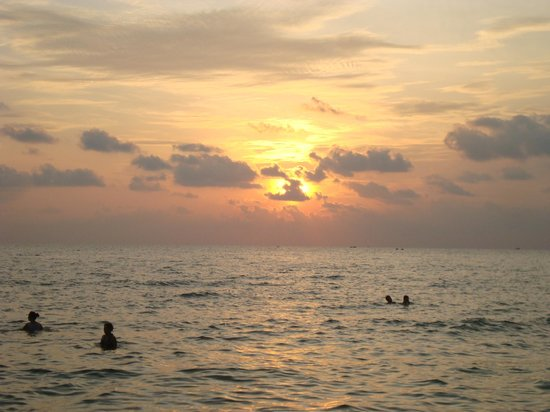 Duong Dong, Vietnam: Swimming at Sunset