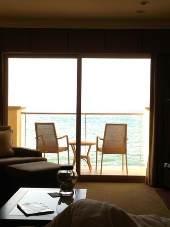 Malibu Beach Inn: View from our bed!