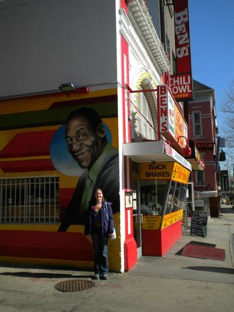 Meridian Manor Bed and Breakfast: Ben's Chili Bowl 20mins away