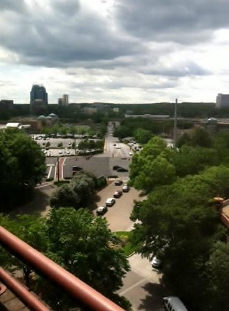 Crowne Plaza Atlanta Perimeter At Ravinia: Bedroom View