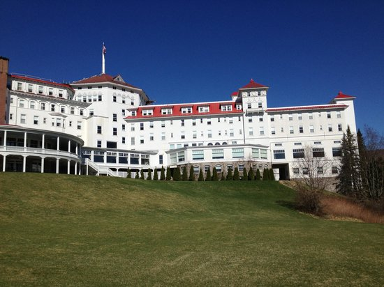 Omni Mount Washington Resort: view from back of hotel