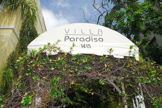 Villa Paradiso: Entrance