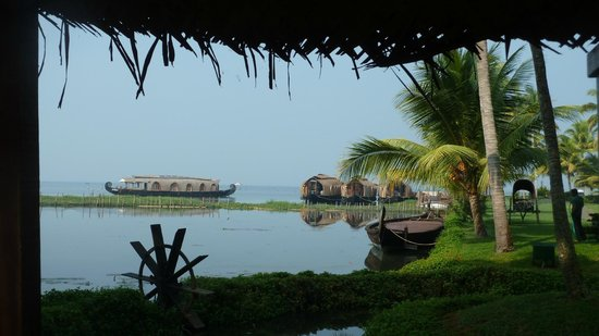 Kumarakom Lake Resort: Lake view.