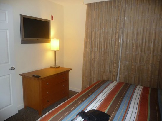 HYATT house Miami Airport: Dormitorio 2ª Visita