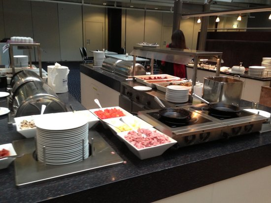 Clarion Hotel Royal Christiania: Omelette station