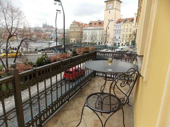 Mamaison Suite Hotel Pachtuv Palace Prague: Balcony view