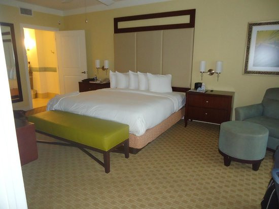 Parc Soleil by Hilton Grand Vacations Club: Master bedroom
