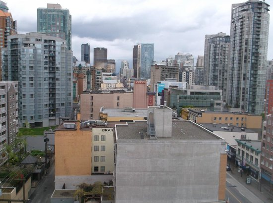BEST WESTERN PLUS Downtown Vancouver: view from the roof