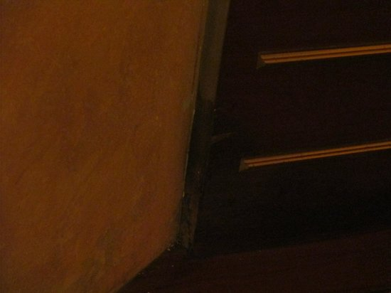 Windsor Hotel Milano: Water damage/mold