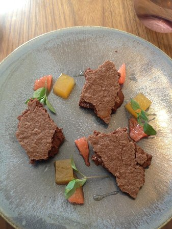 Amersham, UK : Gorgeous chocolate mousse dessert 