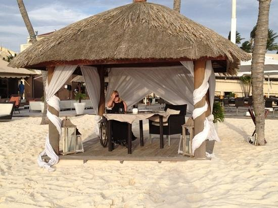 Bucuti &amp; Tara Beach Resorts Aruba: set up for our romantic sunset dinner