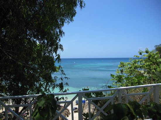 Grand Palladium Jamaica Resort &amp; Spa: Main beach.