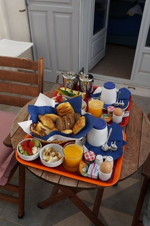Atrium Villa: breakfast