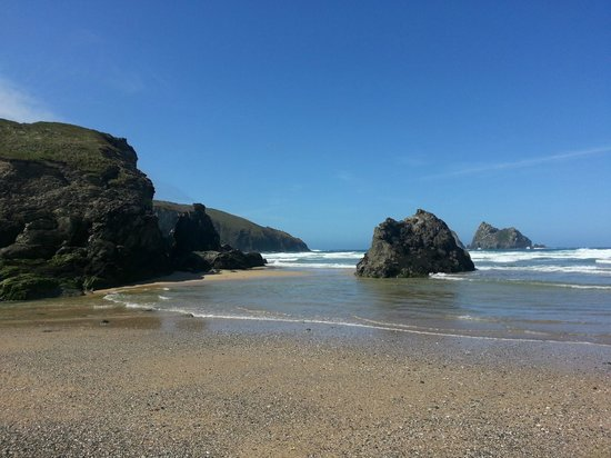 Parkdean - Holywell Bay Holiday Park: Easy access to unspoilt Holywell beach....