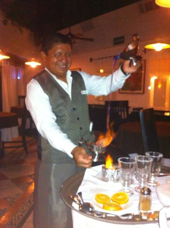 Sunset Marina Resort &amp; Yacht Club: Henri making Mayan coffee!