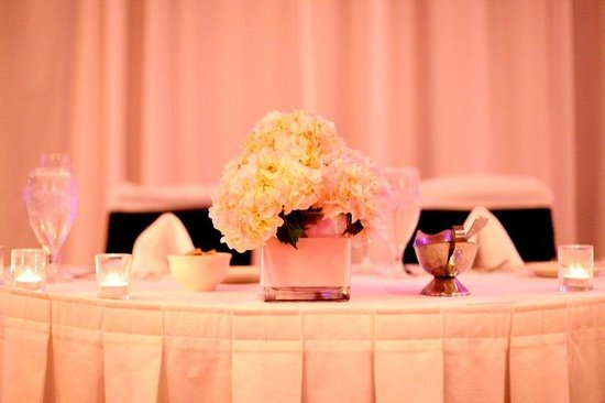 Elgin, IL: Sweet Heart Head Table