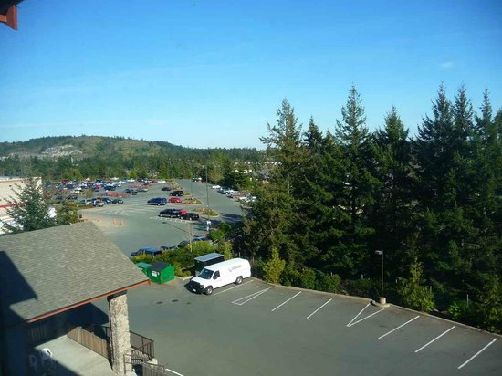 Four Points by Sheraton Victoria Gateway: Mountain View Side
