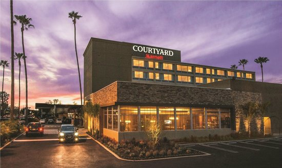 Courtyard by Marriott Los Angeles Woodland Hills: Exterior