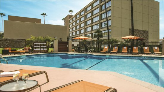Courtyard by Marriott Los Angeles Woodland Hills: Pool