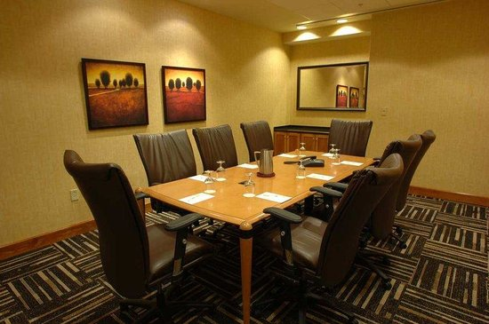 DoubleTree Hotel Syracuse: Executive Boardroom