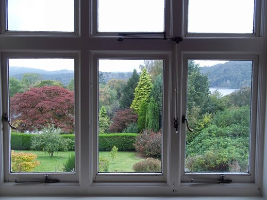 Lindeth Howe Country House Hotel: view from the bedroom