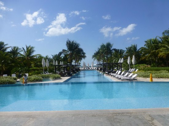 JW Marriott Panama Golf & Beach Resort: The pools