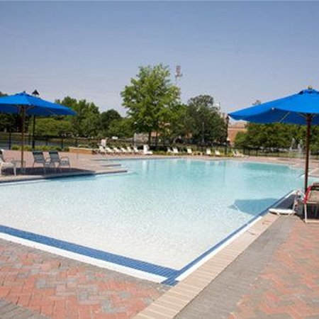The Founders Inn and Spa: Outdoor Pool