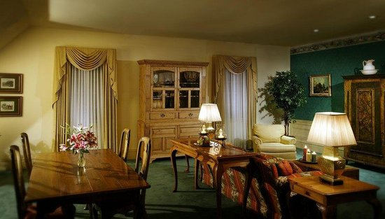 The Founders Inn and Spa: Governors Suite