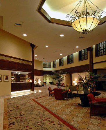 Hilton Indianapolis North: Lobby