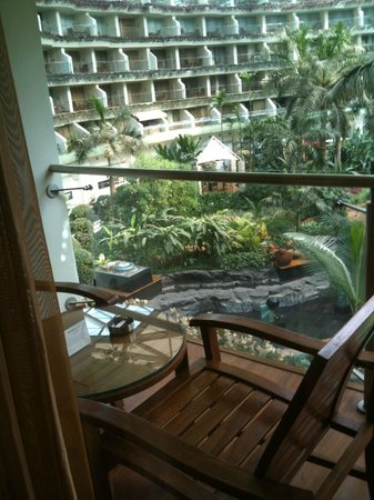 Sahara Star Hotel: Balcony / View to Indoor Atrium