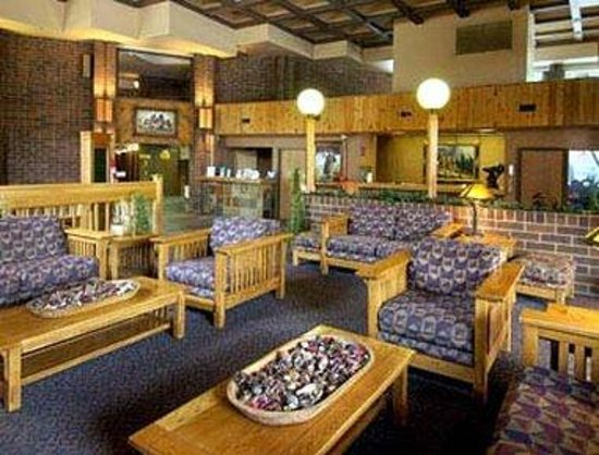 Ramada Inn and Suites Glenwood Springs: Lobby