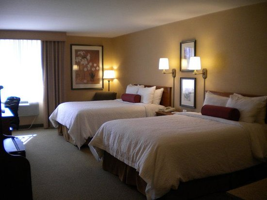 Best Western Plus CottonTree Inn: Two Queen Beds Guest Room