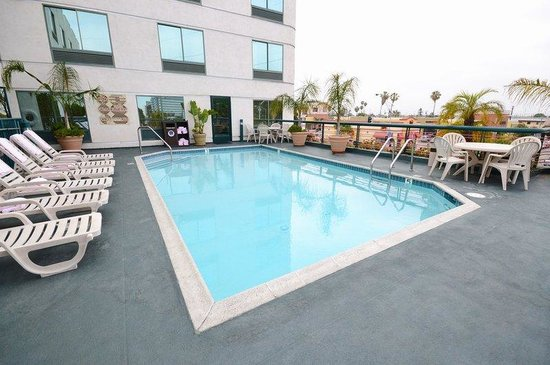 BEST WESTERN PLUS Suites Hotel: Pool