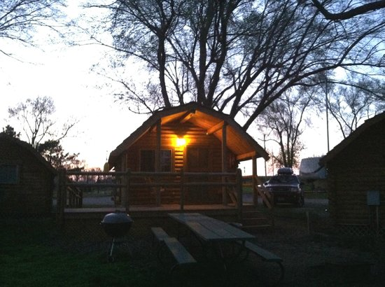 West Omaha KOA: front porch with swing and grill