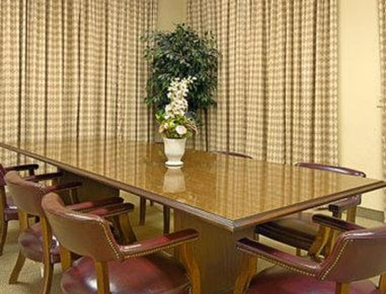 Days Inn & Suites Starkville: Meeting Room