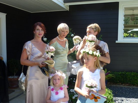 Treghan Cottage: Happy Bridal Party