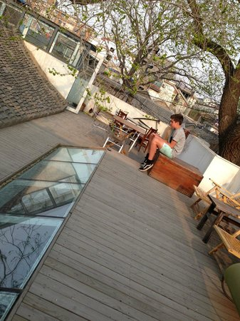 Hutongren Courtyard Hotel: Roof top terrace